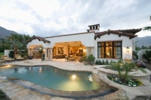 pool-and-modern-home-exterior-picture-id477754371